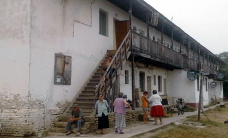 Bač: Dronjić u poseti naselju Ekonomija 1