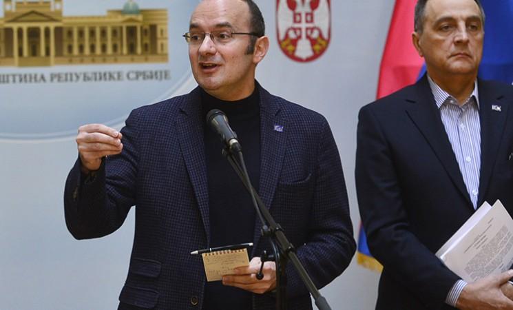Živković i Pavićević pitali premijera i članove Vlade