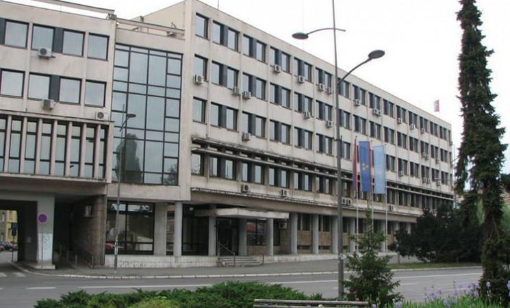 Novi Sad ne zaslužuje da ga vodi jedan osuđenik