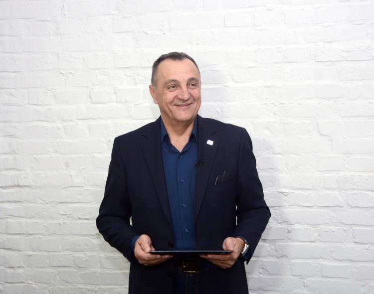 Zoran Živković za #EspresoTviter komentariše tvitove o sebi